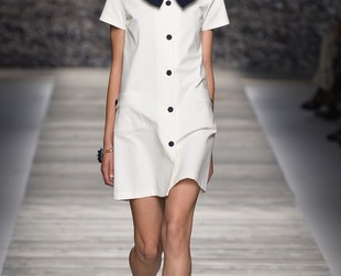 Ana Molinari took inspiration from 60s fashion in her new line. Check out the Blugirl spring 2014 collection.
