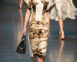 Designers Stefano Gabbana and Domenico Dolce turned once again towards Sicily for inspiration and infused Ancient Greek influences to spice-up the look of their Dolce & Gabbana spring 2014 collection.