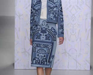 Holly Fulton puts her signature on Seventies with shirtdresses, retro-inspired coats and mid-calf flared denim skirts in her latest collection. Here's the Holly Fulton spring 2014 ready-to-wear collection!