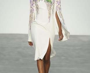 Floral motifs and the intricate embroideries were L'Wren Scott's main focus for the new designs presented during London Fashion Week. Check out the L'Wren Scott spring 2014 collection!