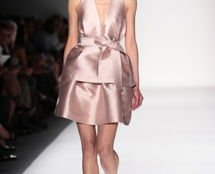 Designer Marissa Webb unveiled her third collection during New York Fashion Week sprig 2014. Check out the Marissa Webb spring 2014 ready-to-wear collection.