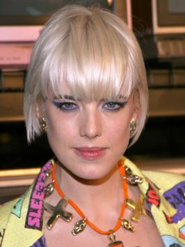 Agyness Deyn's Blunt Bob with Straight Bangs