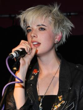 Agyness Deyn's Short Choppy Hairstyle