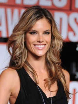 Alessandra Ambrosio Hairstyle at the 2009 MTV VMAs