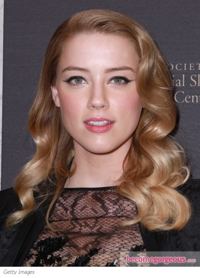 Amber Heard Retro Curly Hairstyle