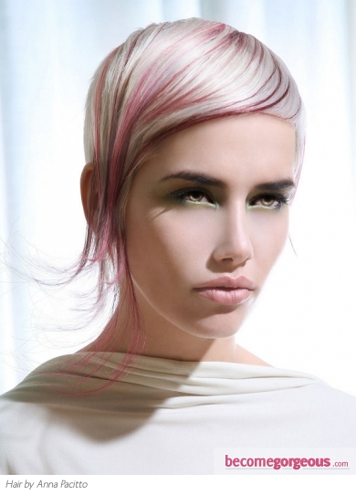 Stylish Blonde Hair and Pink Highlights