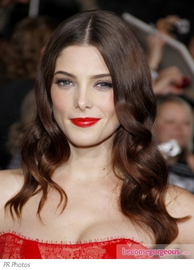 Ashley Greene Glam Wavy Hairstyle