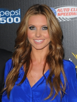 Audrina Patridge Casual Wavy Hairstyle