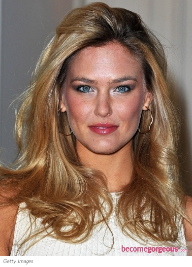Bar Refaeli Sexy Blowout Hairstyle