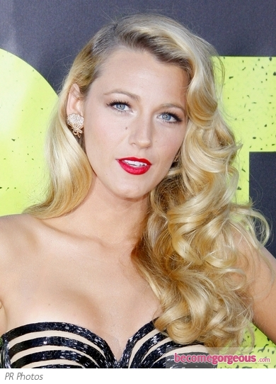 Blake Lively's Side Swept Retro Curls