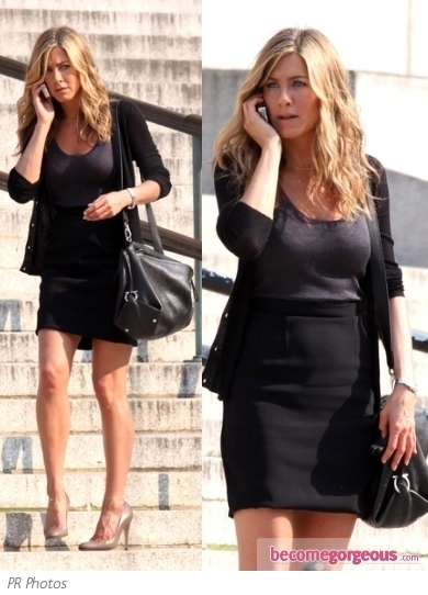 Jennifer Aniston in Black Pencil Skirt