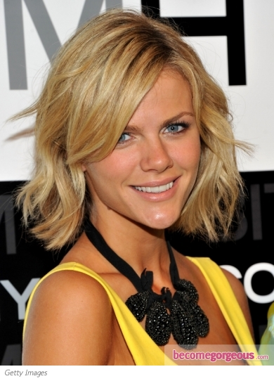 Brooklyn Decker Wavy Bob Hairstyle
