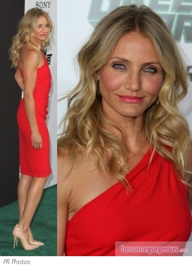 Cameron Diaz attended the 'Gambit' world premiere in London wearing a  monochrome dress by Stella McCartney. She accessorized with a black clutch and Burberry heels.