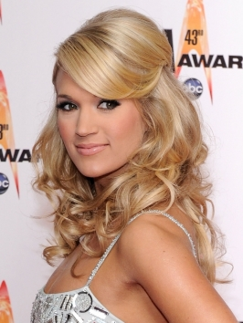 Carrie Underwood Half Updo with Hump