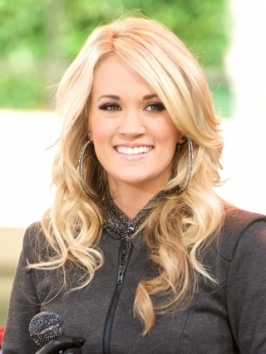 Carrie Underwood Loose Curly Hairstyle