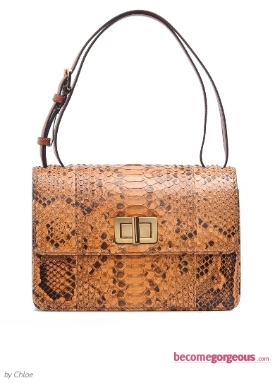 This Gucci Snake Print Bag is one of the most impressive accessory designs of the next season. Tame your lust for statement fashion creations with this amazing staple.