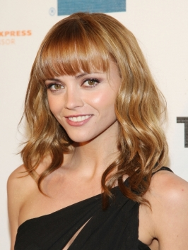 Christina Ricci Long Wavy Hairstyle