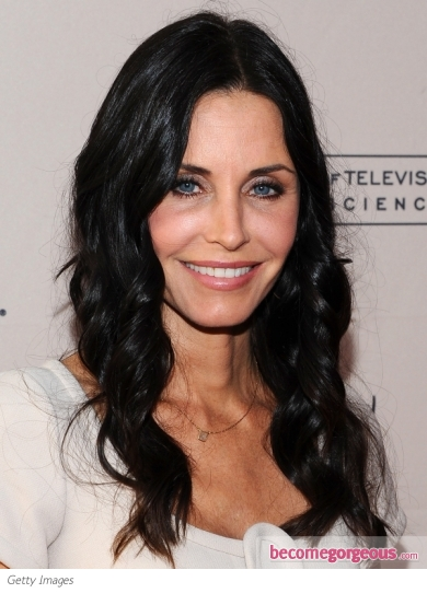Courtney Cox Loose Curls Hairstyle