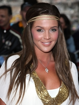 Paring long hairstyles with skinny headbands like Danielle Lloyd's are the most popular ways to wear the boho trend.