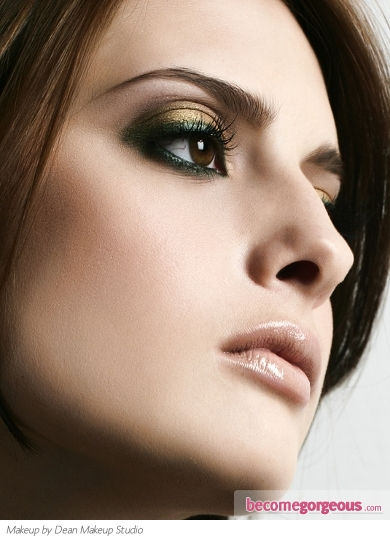 Mysterious Metallic Smokey Eye Makeup
