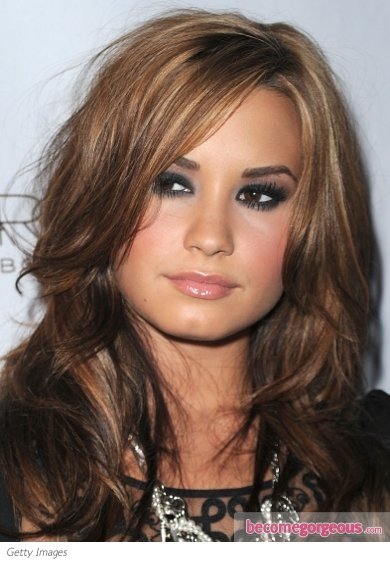 demi lovato dark makeup. Demi applied the lack eye