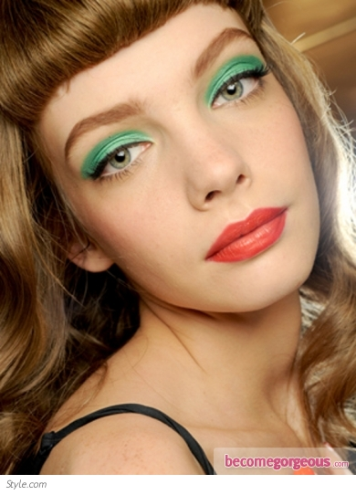 Green Bright Eye Makeup
