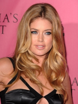 Doutzen Kroes Sexy Loose Curls Hairstyle