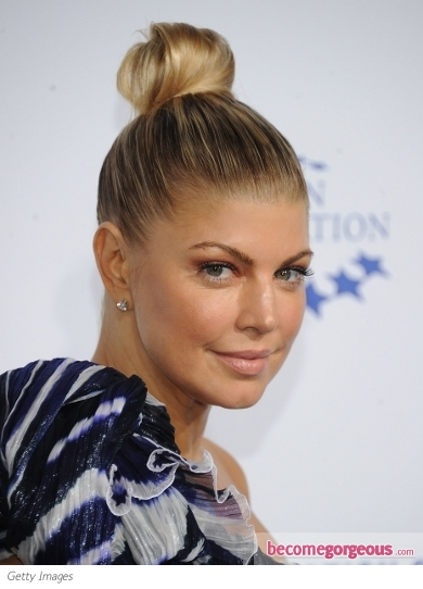 hair/photos/fergie_hairstyles/fergie_loose_waves_hairstyle-I2950#image