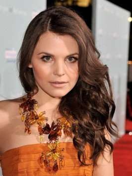 Ginnifer Goodwin Long Curly Hairstyle