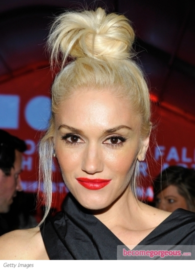 Gwen Stefani Messy Topknot Hairstyle