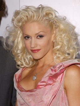 Gwen Stefani Curly Hairstyle