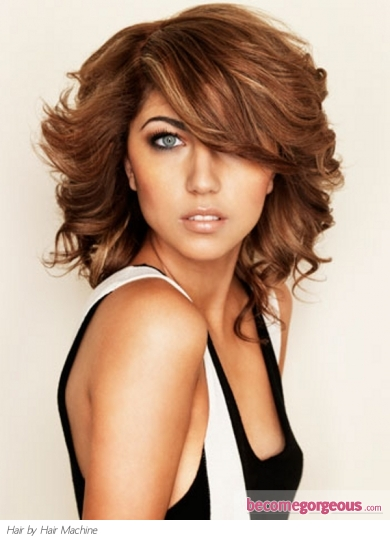 Medium Wavy Layered Hair Style