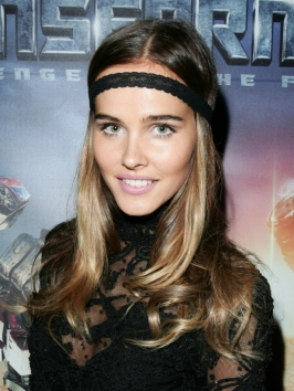 Isabel Lucas Hairstyle with Headband