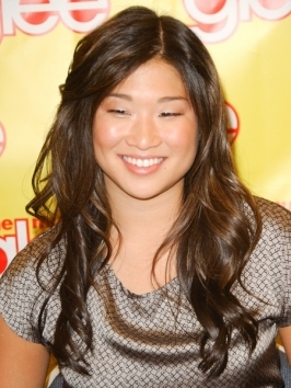 Jenna Ushkowitz rocked a stylish high bun to the FOX All-Star party. The Glee cutie piled up her locks into tight twisted bun and softened the look with a few flyaways pulled out along the hairline.