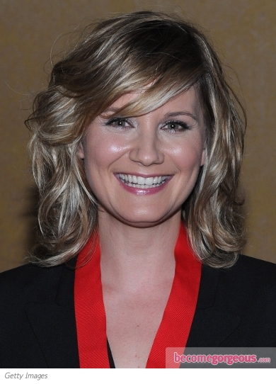 Jennifer Nettles Shoulder-Length Hairstyle