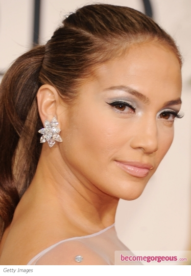 Jennifer Lopez Glam Silver Makeup