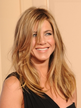 Jennifer Aniston Relaxed Wavy Hairstyle