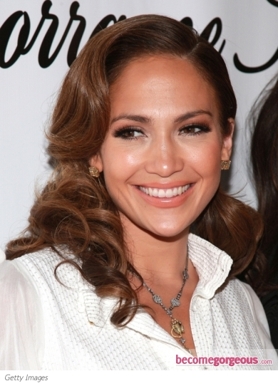 Jennifer Lopez Curly Pin-Up Hairstyle