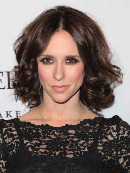 Jennifer Love Hewitt Curly Bob Hairstyle
