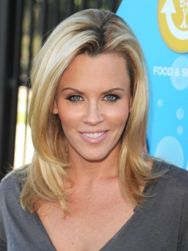 Jenny McCarthy Shoulder-Length Hairstyle