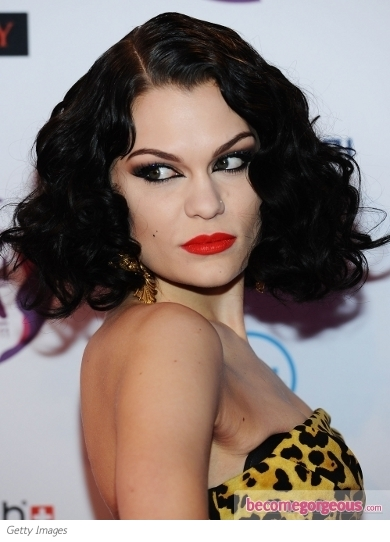 Jessie J Vintage Waves Hairstyle at the 2011 EMA