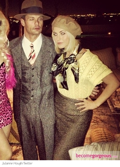 Julianne Hough and Ryan Seacrest as Bonnie and Clyde