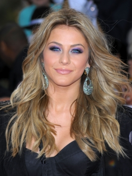 Julianne Hough Ash Blonde Wavy Hairstyle
