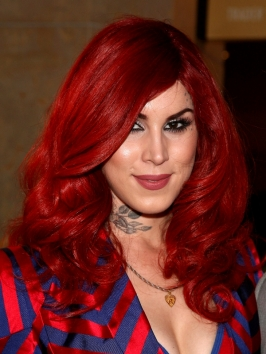 Kat von D Full Waves Hairstyle