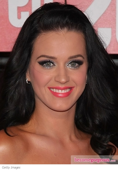 katy perry makeup. Katy Perry Silver Eye Makeup