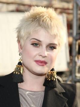 Kelly Osborne's Short Blonde Pixie