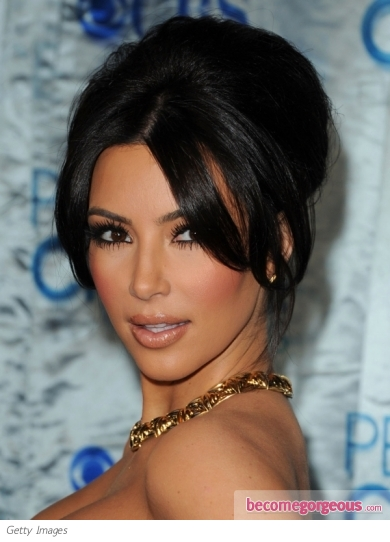 Kim Kardashian unveiled a gorgeous beehive updo at the 2011 People's Choice