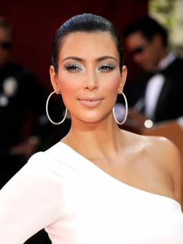 Kim Kardashian Hairstyle at the 2009 Emmy Awards