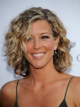 Laura Wright Curly Bob Hairstyle