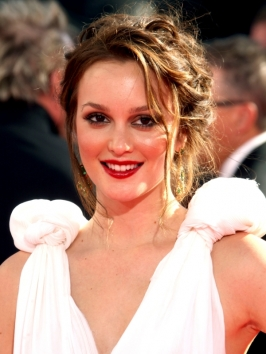 Leighton Meester Hairstyle at the 2009 Emmy Awards